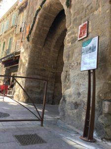 Trets - Porte de Pourrières (1)